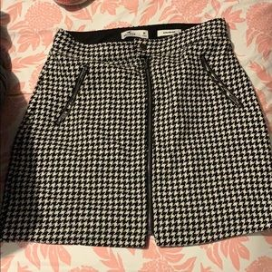 Hollister Ultra rise Houndstooth Skirt